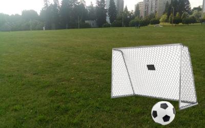 23 Dětské fotbalové hřiště nad parkem
